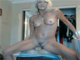 Mature American Woman Fucks Dildo on Webcam