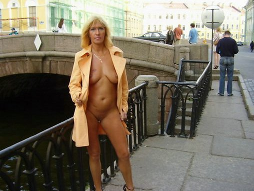 Husbands Showing Sexy Wife Photos