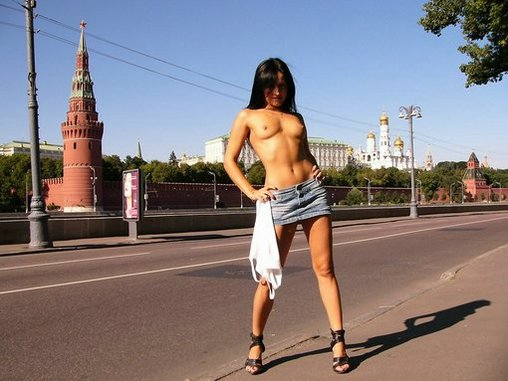 Russian Lady Shows off Breasts near Kremlin Moscow Photo