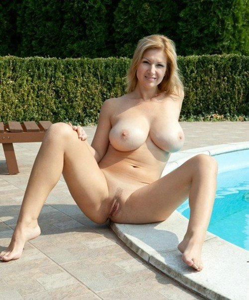 Amateur Blonde Nude S Nothing Better Than Hot Moms Undressing