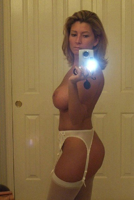 Amateur Milf Nude Self Shots