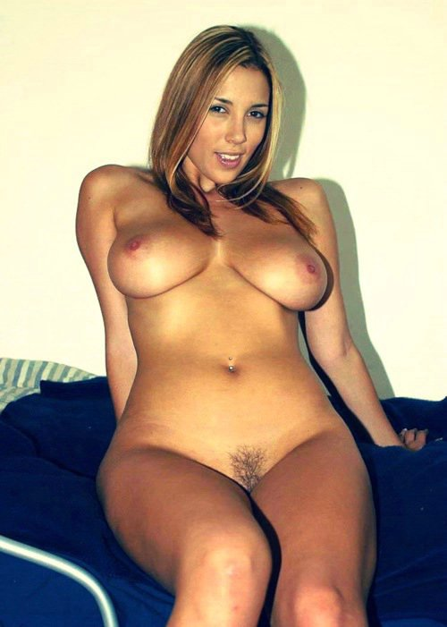 Sexy Nude Mature mom