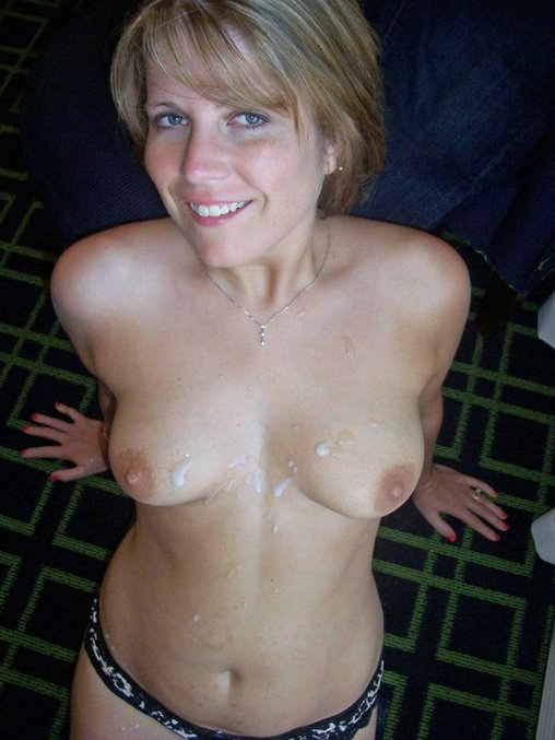 Free Porn Pictures Friends Mom Receives Cumshot on Tits