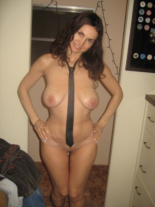 naked hot milfs at home