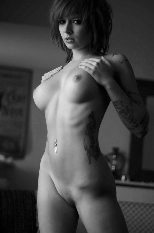 Of Nude Tattooed Girl Showing Her Beautiful Sey Body To