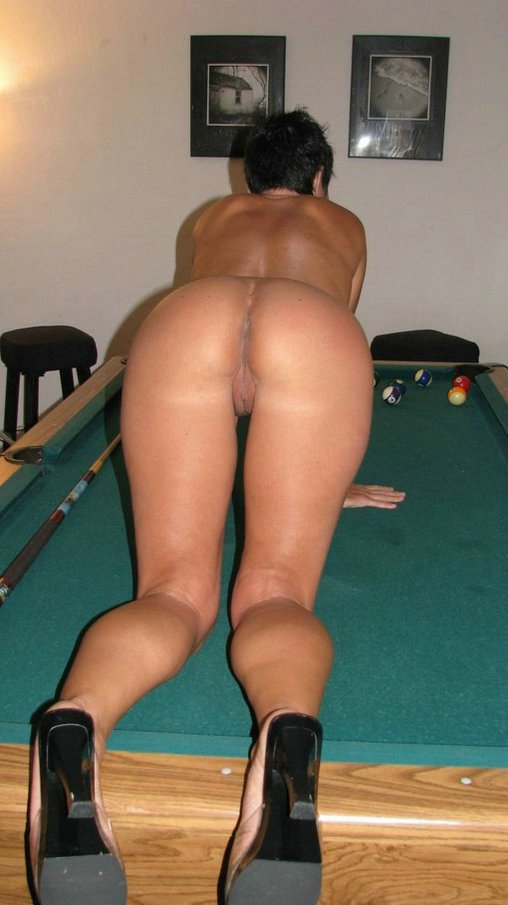 naked amateur women bending over