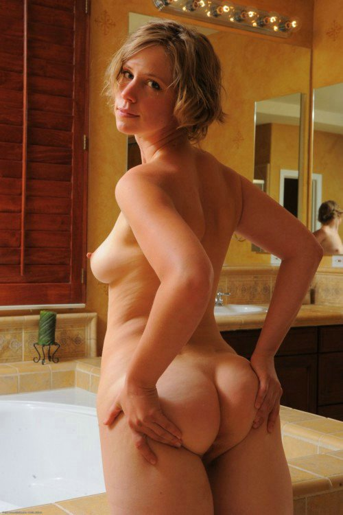 nude Amateur woman mature