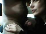 Maman dans la vidéo porno Webcam elle adore baiser avec le public