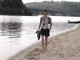Deux matures Nudisme Vidéo Hot Ladies Lecture Nu sur la plage